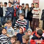 De sarbatori, Fundatia Scheherazade imparte bucurie la Bucsani (7)